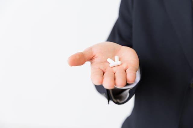 手の上の錠剤