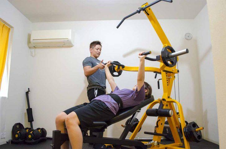 アウトライン新宿店 胸トレーニング